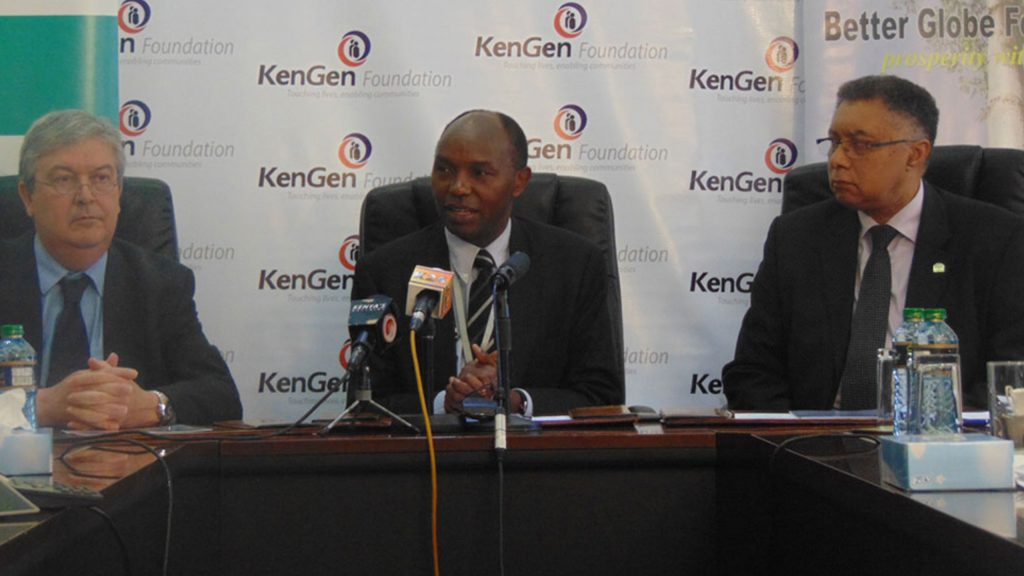 Bruno Pescheux, CEO of Bamburi, Albert Mugo, CEO of the KenGen Foundation and Better Globe Forestry's CEO Jean-Paul Deprins sign the Green Initiative Challenge agreement on June 24th 2015.